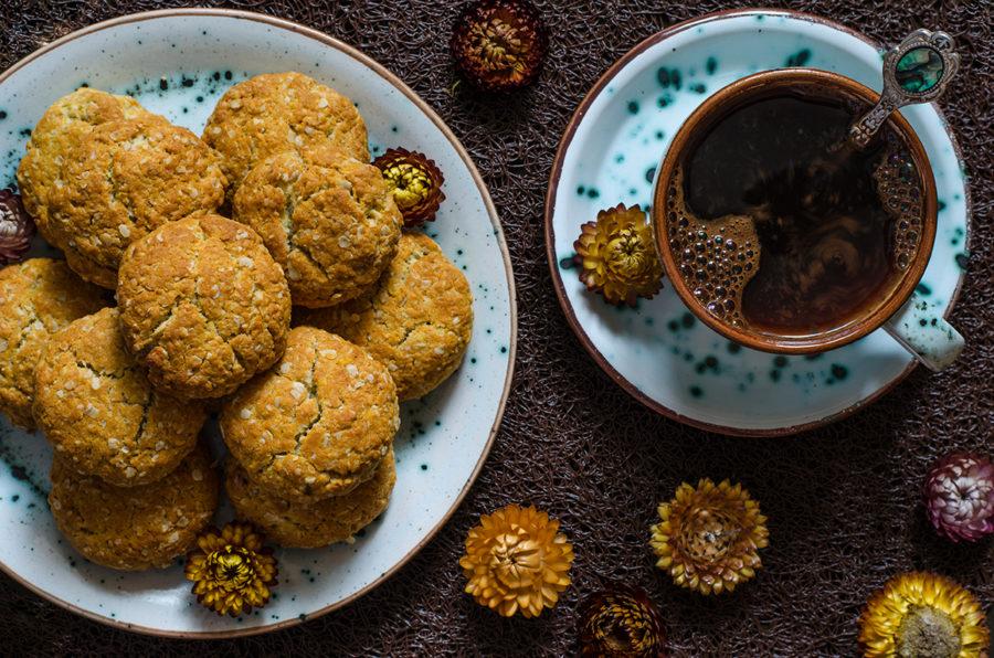 Печенье из овсяных хлопьев Анзак от Джейми Оливера