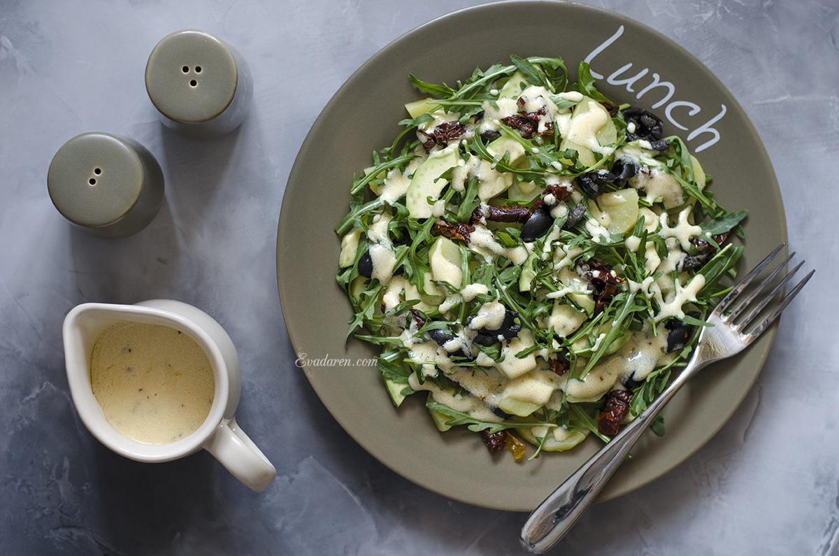 Салат с картофелем авокадо маслинами и вялеными томатами от Юлии Высоцкой
