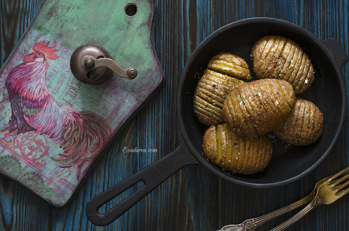 Картошка — гармошка запечённая в духовке