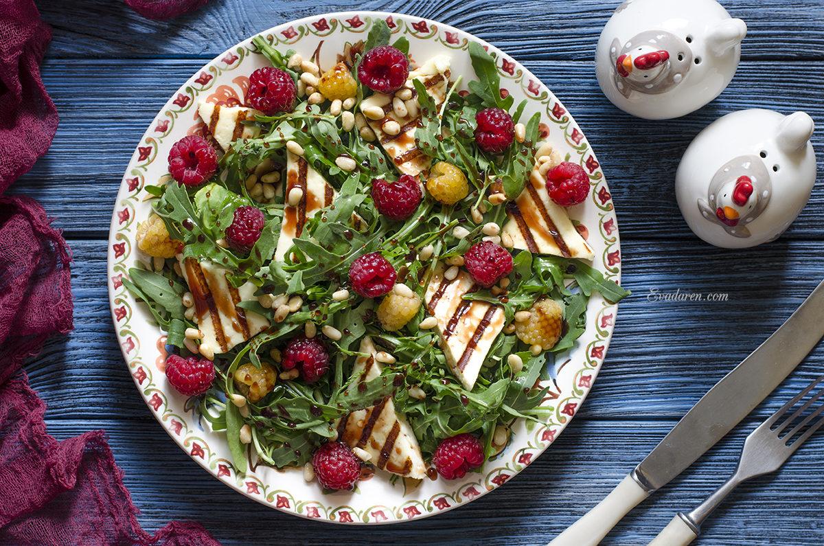 Салат с малиной сыром и заправкой из наршараба