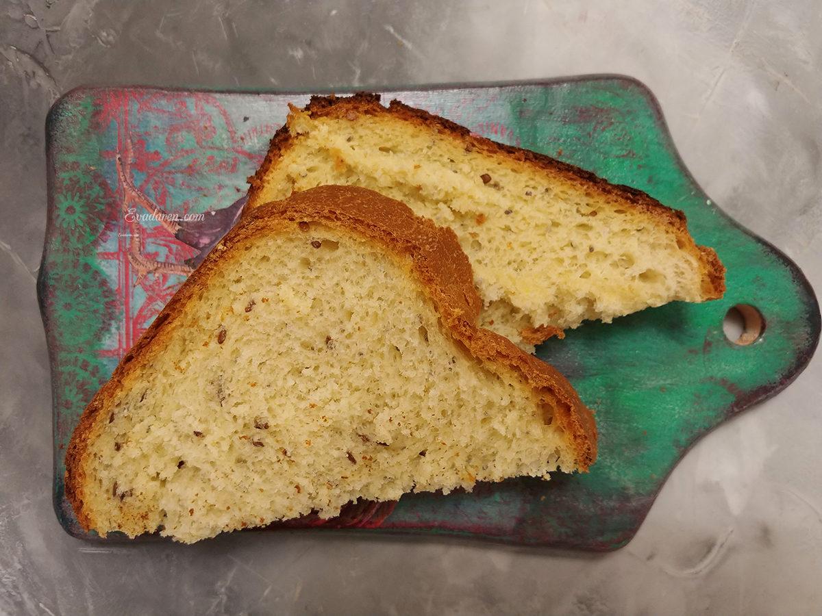 Белый тостовый хлеб в хлебопечке
