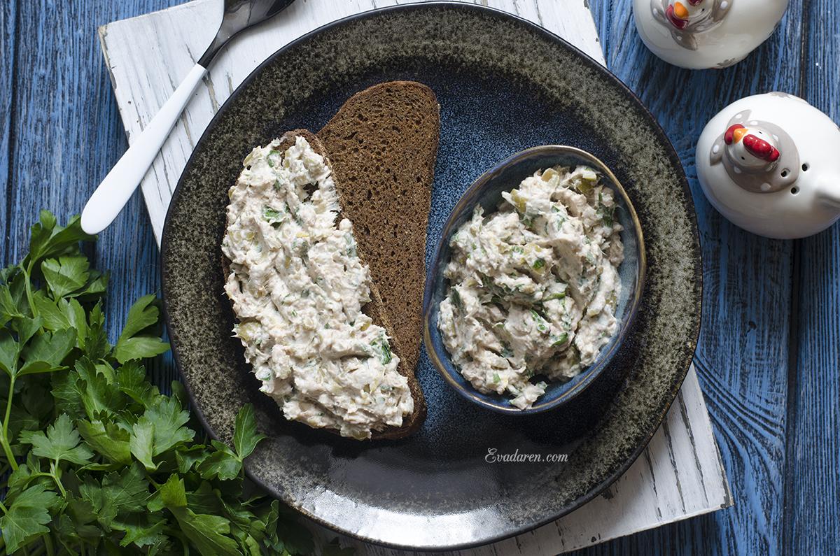 Паштет из оливок тунца и крем сыра